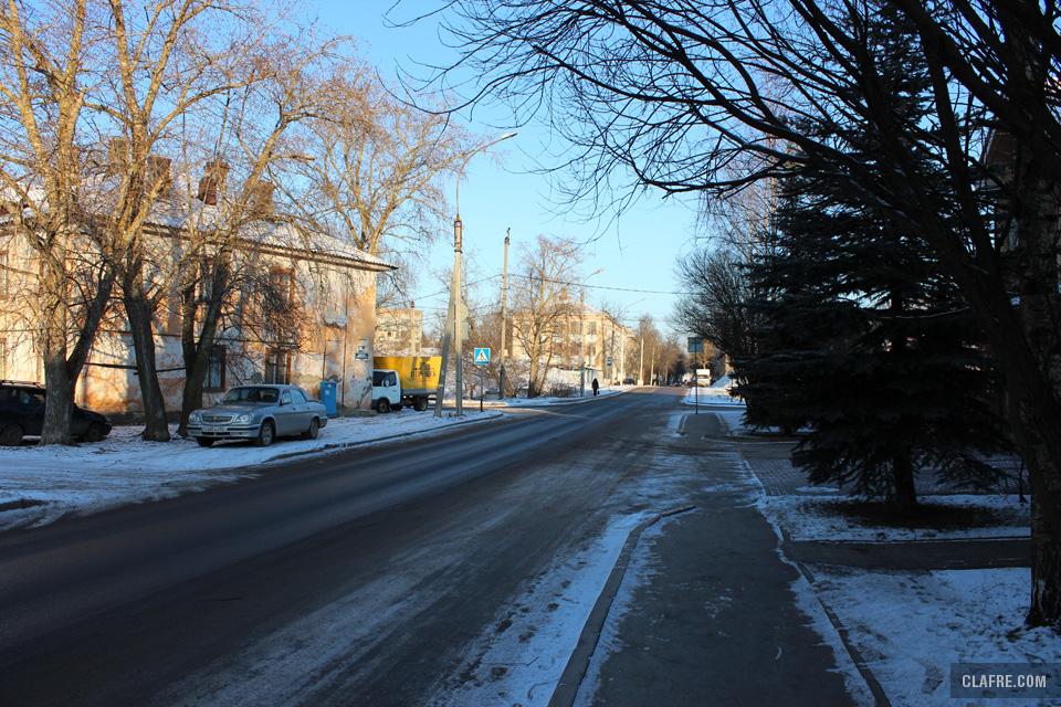 Тротуар и проезжая часть