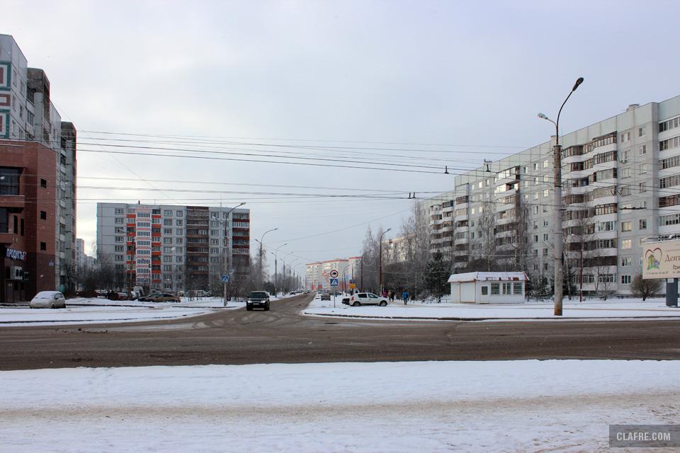 Улица Коровникова с проспекта Александра Корсунова