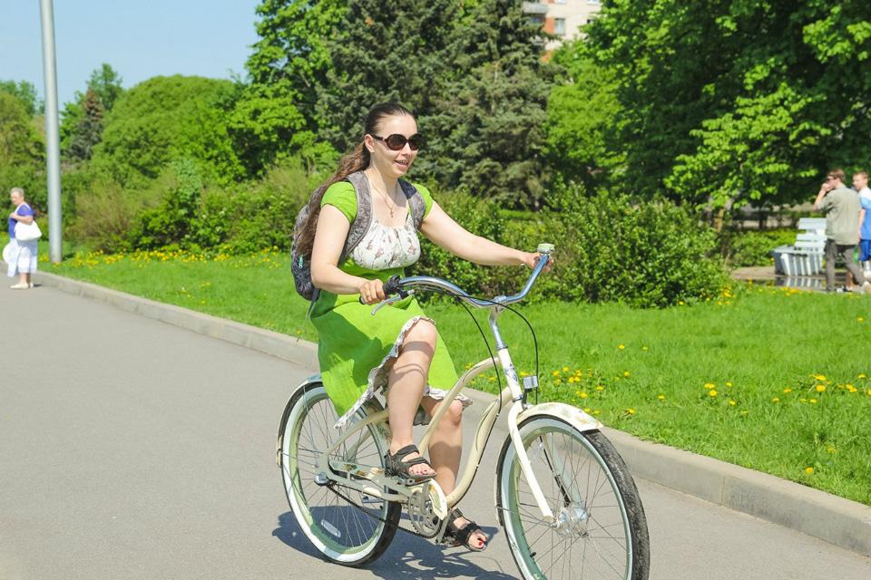 На велосипеде можно ехать красиво