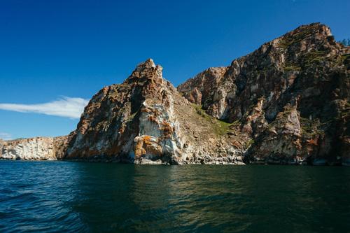 Вид на остров Ольхон с воды