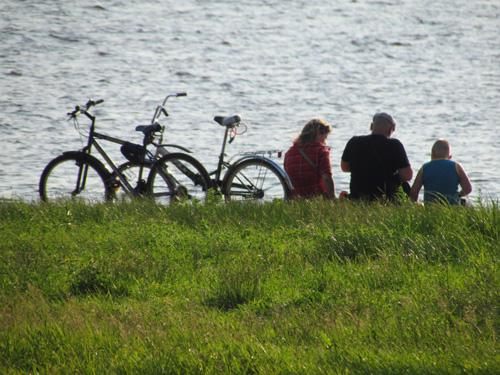 На велосипедах — всей семьей