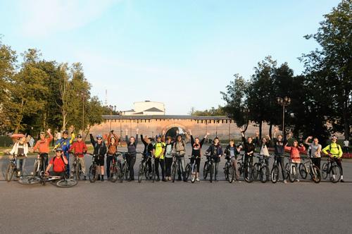 «Матрасный» летний велосезон проводили велопрогулкой