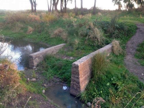 Место моста через ручей