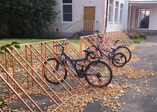 Большая велопарковка у «Лицея-интерната» была установлена на средства вырученные от сбора макулатуры