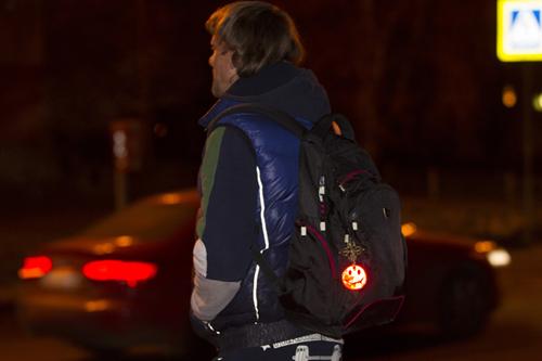 Светоотражатели для пешеходов