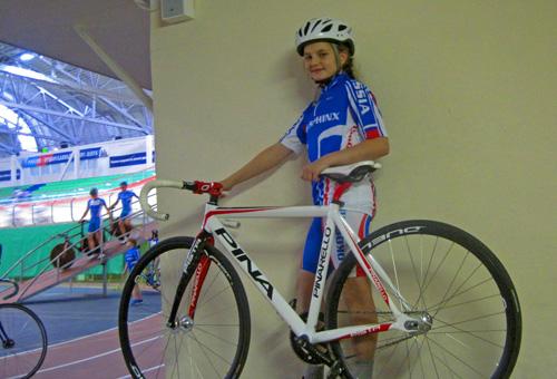Так теперь выглядит экипировка юного новгородского велогонщика