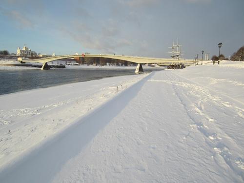 Уборка от снега на нижнем ярусе набережной вообще не выполнялась