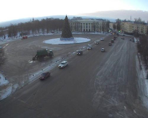 Многократная уборка площади Победы-Софиская