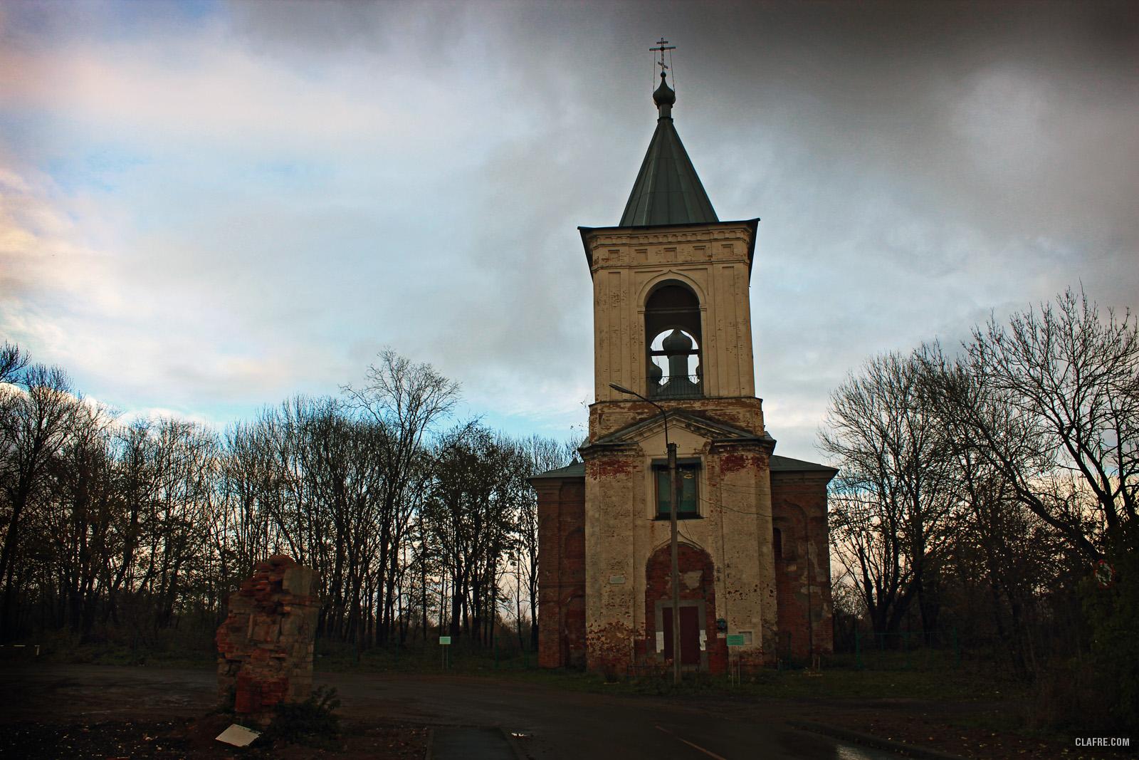 Церковь Воскресения на Красном поле