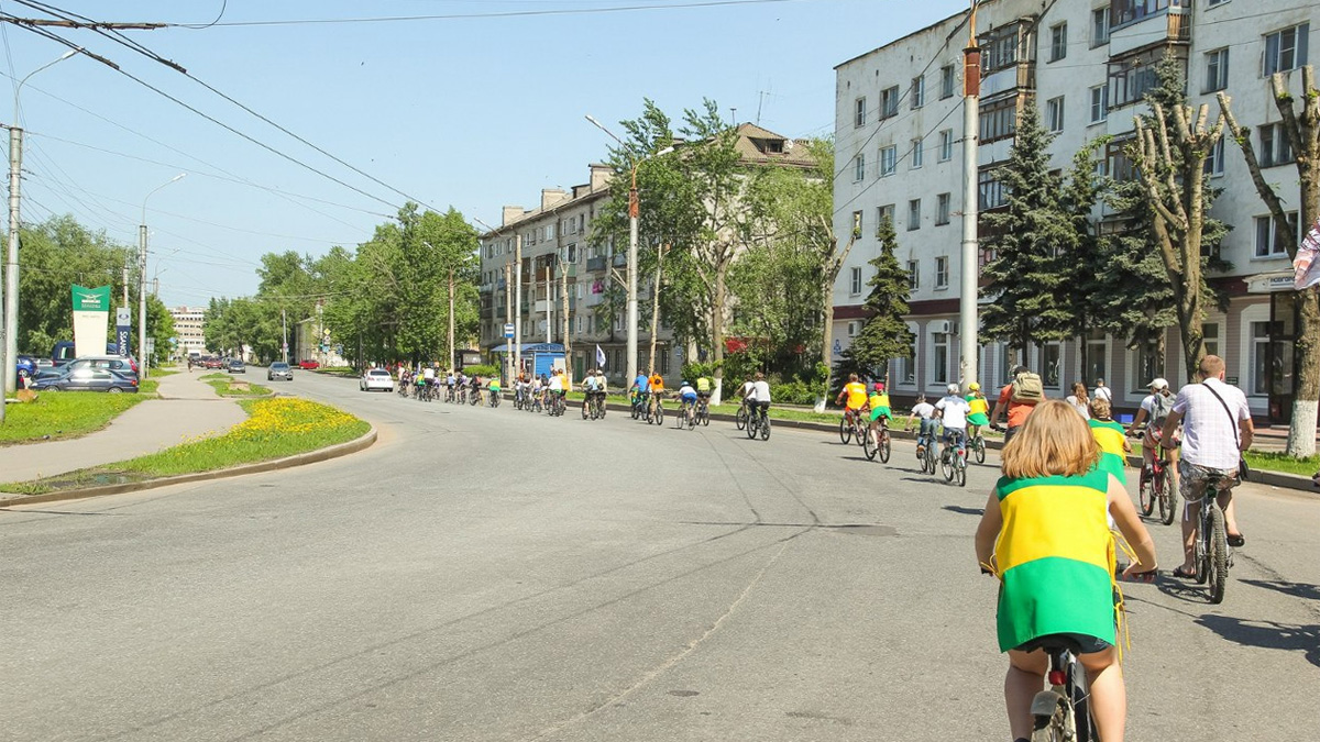 Велопробег по улице Германа