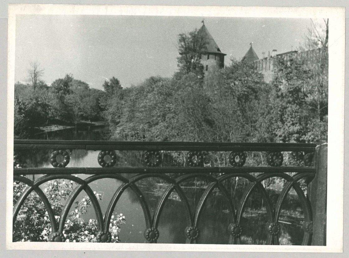Вид на кремль с Цепного моста