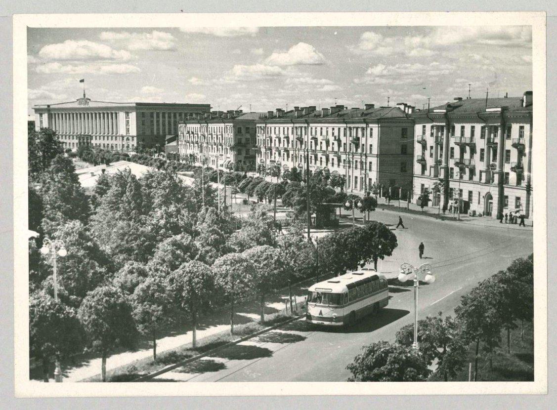 Улицы Розважа и Газон