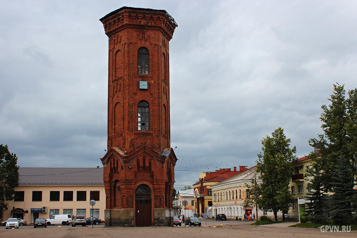 Водонапорная башня в Старой Руссе
