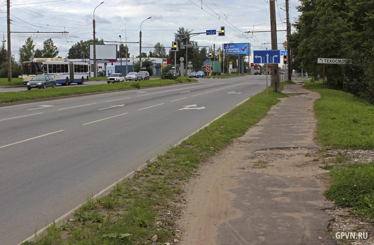Тротуар на Большой Санкт-Петербургской улице