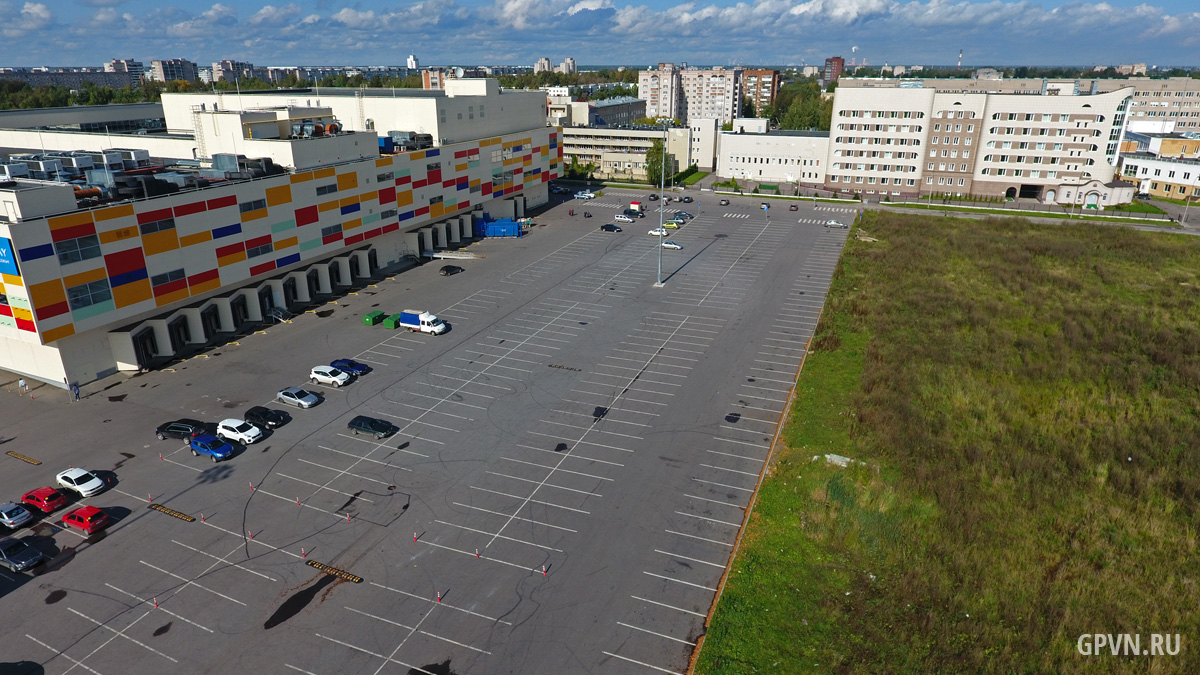 Парковка у ТРЦ «Мармелад»