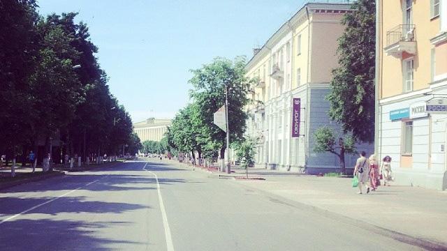 Улица Газон