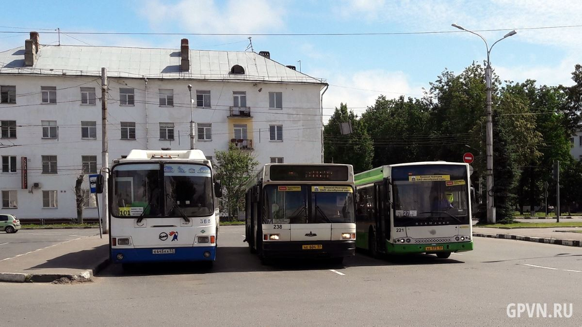 Автобусы на Вокзальной площади