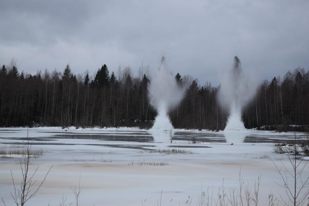 Взрыв льда на Мсте