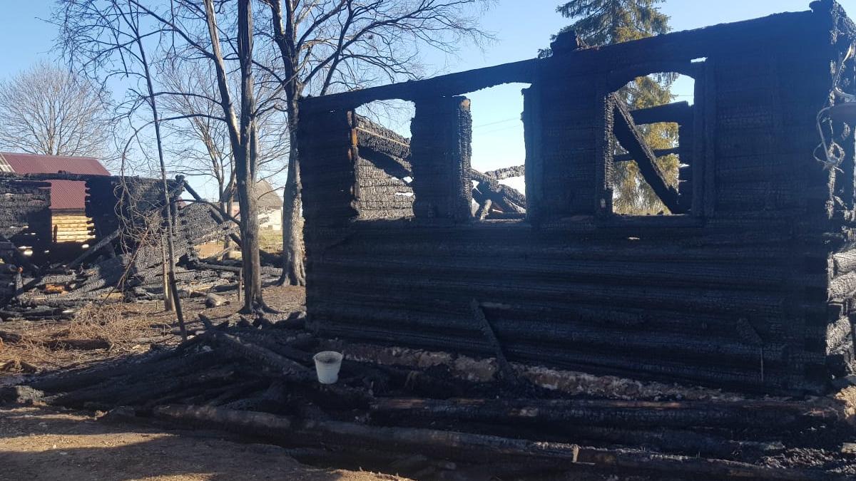 После пожара в деревне Фарафоново