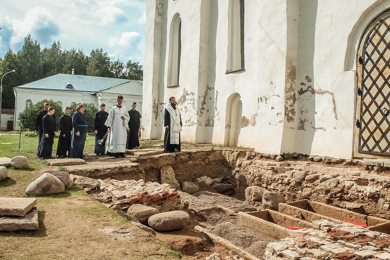 Перезахоронение останков