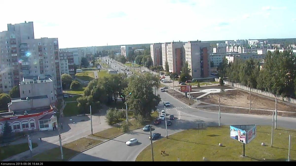 Новый сквер на Корсунова