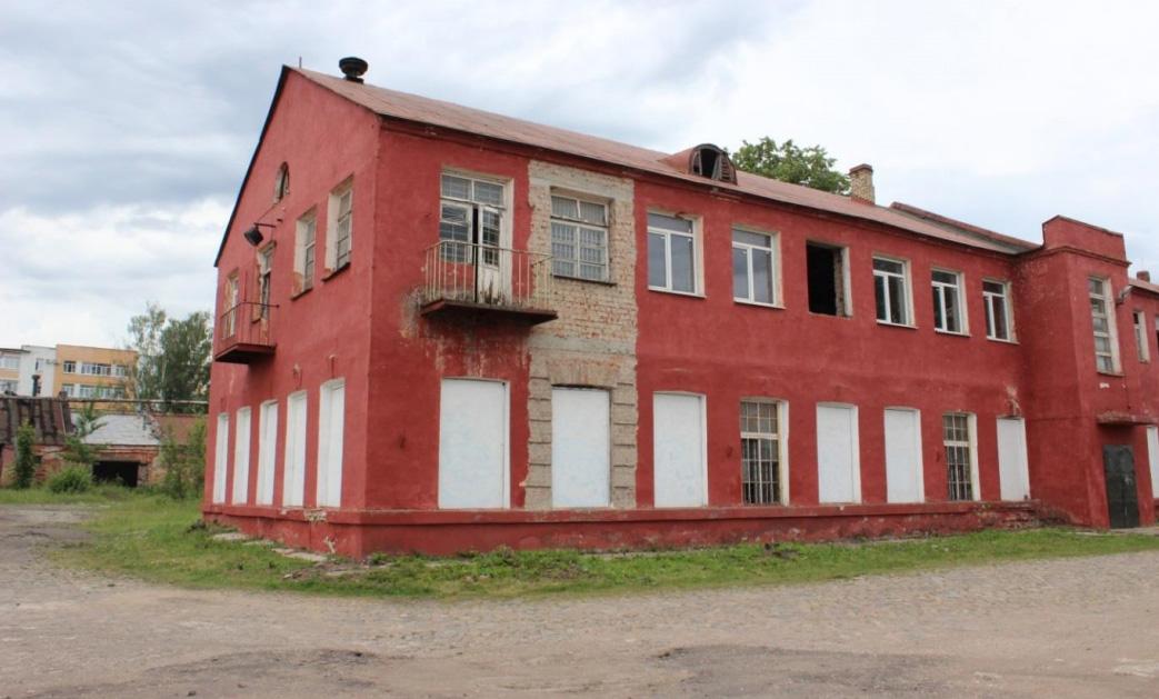 Общий вид южной трети здания