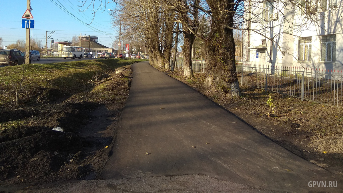 Тротуар в начале Нехинской