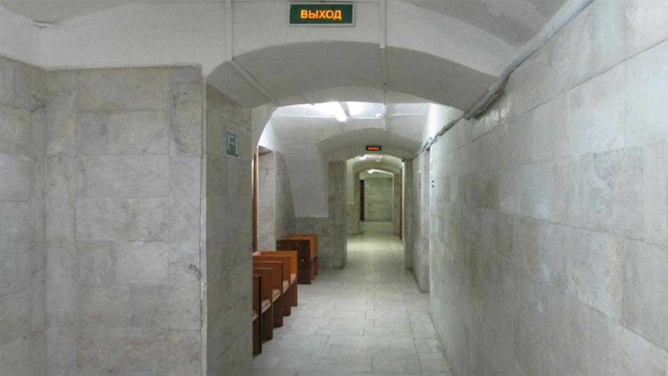 Путевой дворец, интерьер цокольного этажа