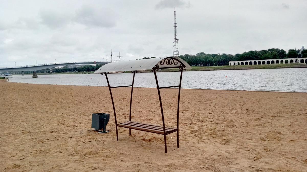 Навесы на Кремлёвском пляже