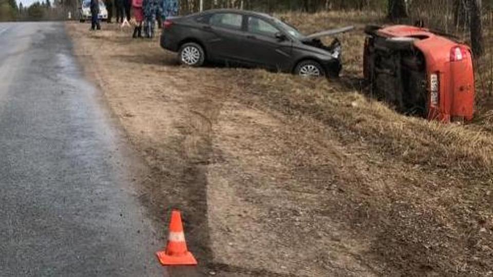 Столкновение автомобилей в Боровичском районе