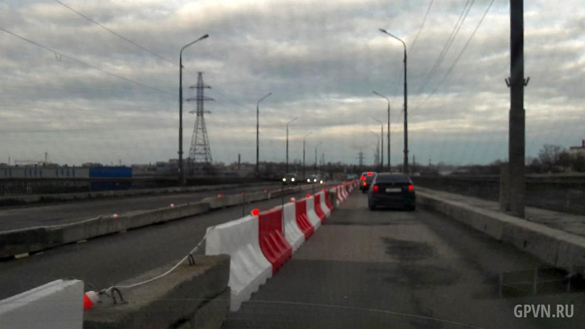 Движение на Колмовском мосту