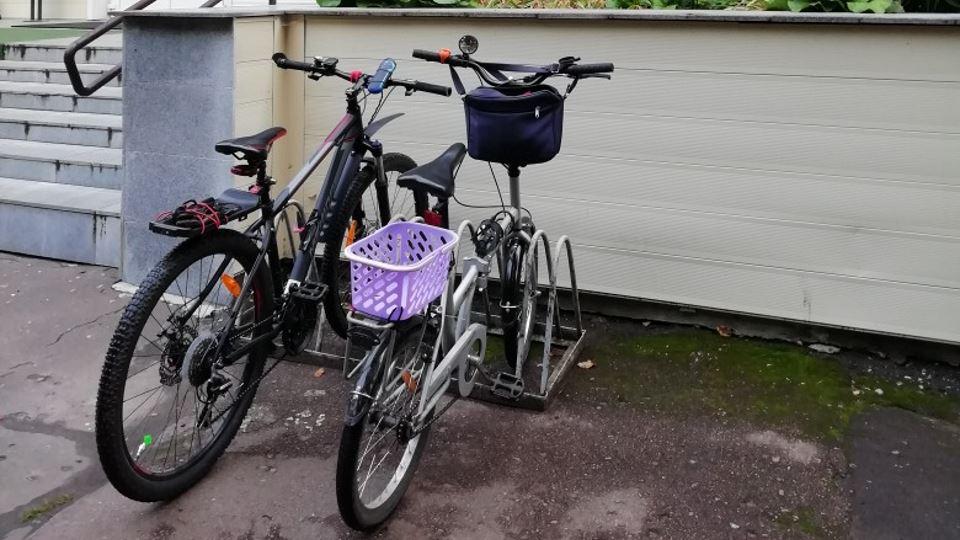 Велопарковка возле клиники №2 ЦГКБ