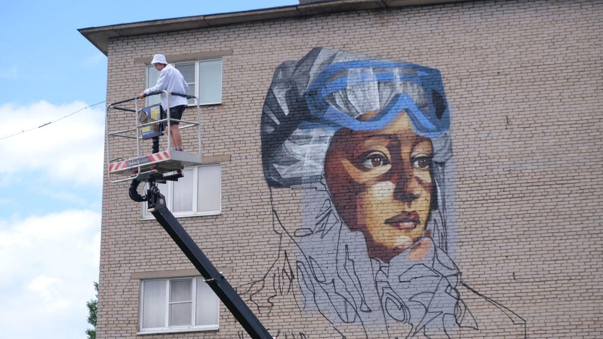 Первое граффити фестиваля в 2020 году
