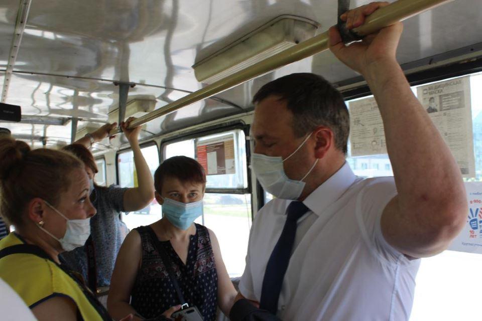 Сергей Бусурин в троллейбусе