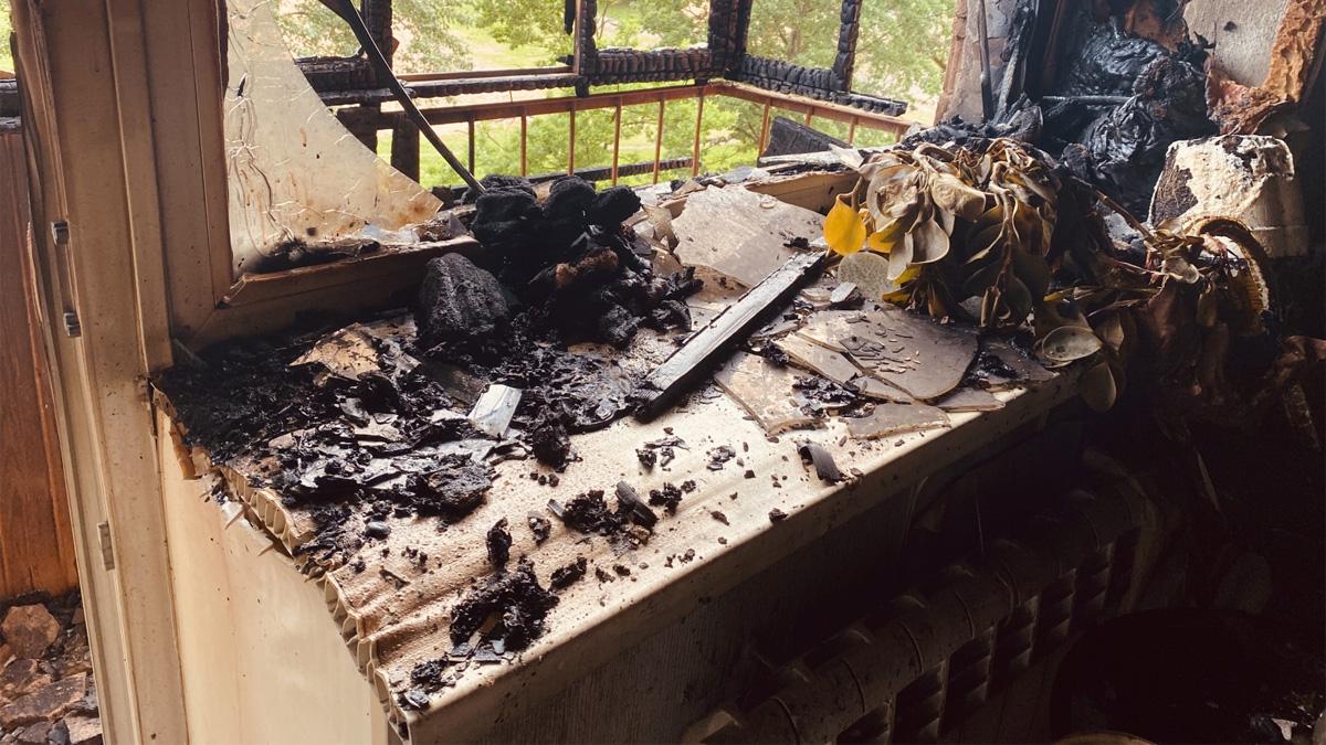 Пожар в доме на Октябрьской