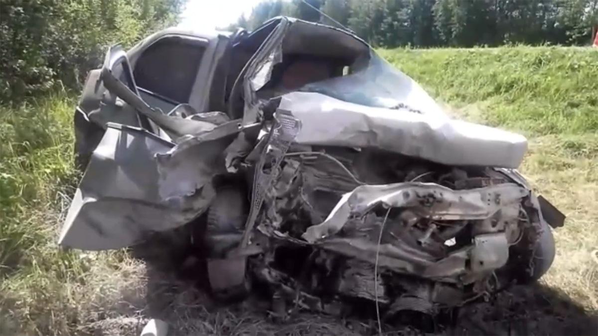 Renault Logan после ДТП