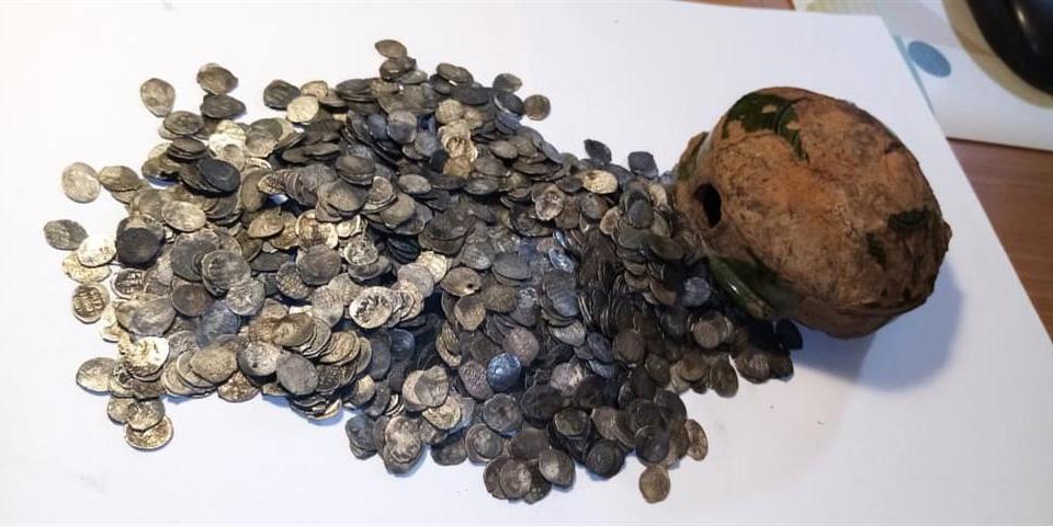 Кубышка и монеты клада