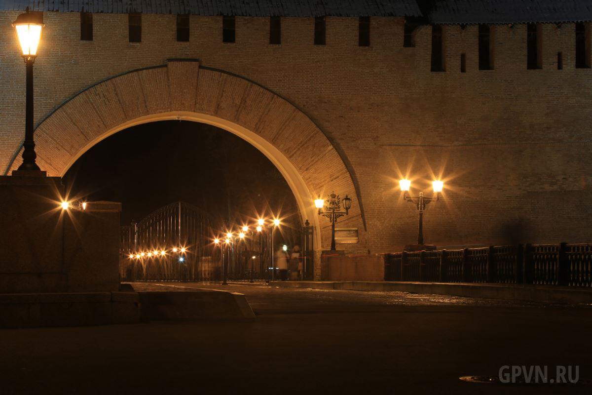Цепной мост, вход в кремль