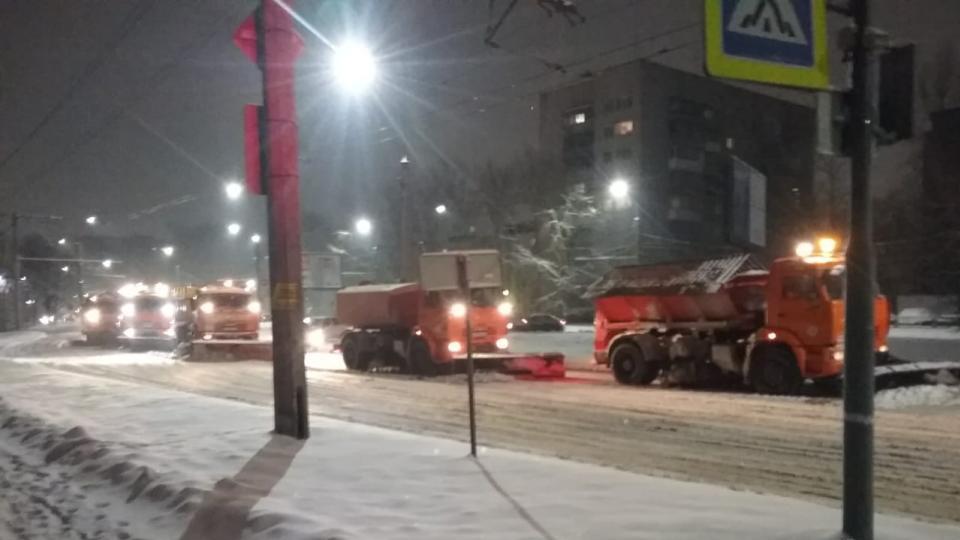 Уборка города от снега