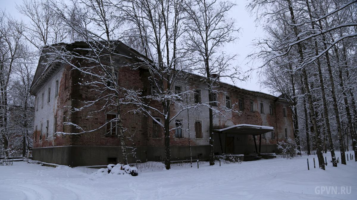 Здание штаба в Кречевицах