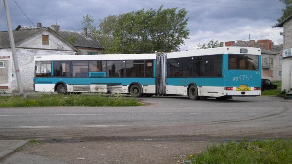 Автобус в Волховце