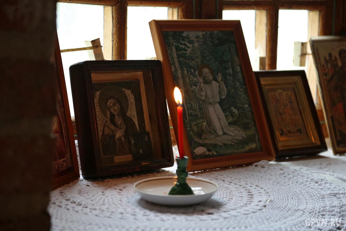 Иконы в Воскресенском соборе