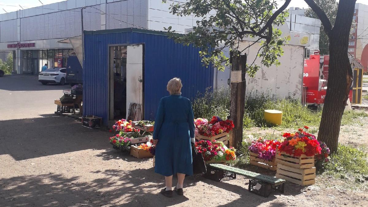 Торговля кладбищенскими цветами