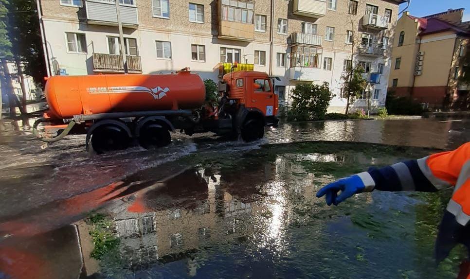 Подтопление на улице Тимура Фрунзе