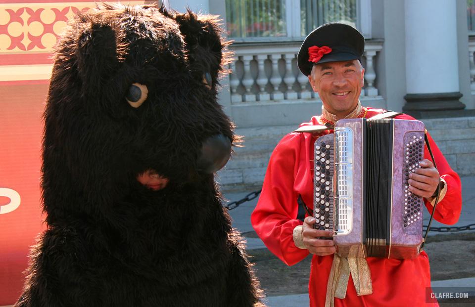 Как же Новгород - и без медведя?