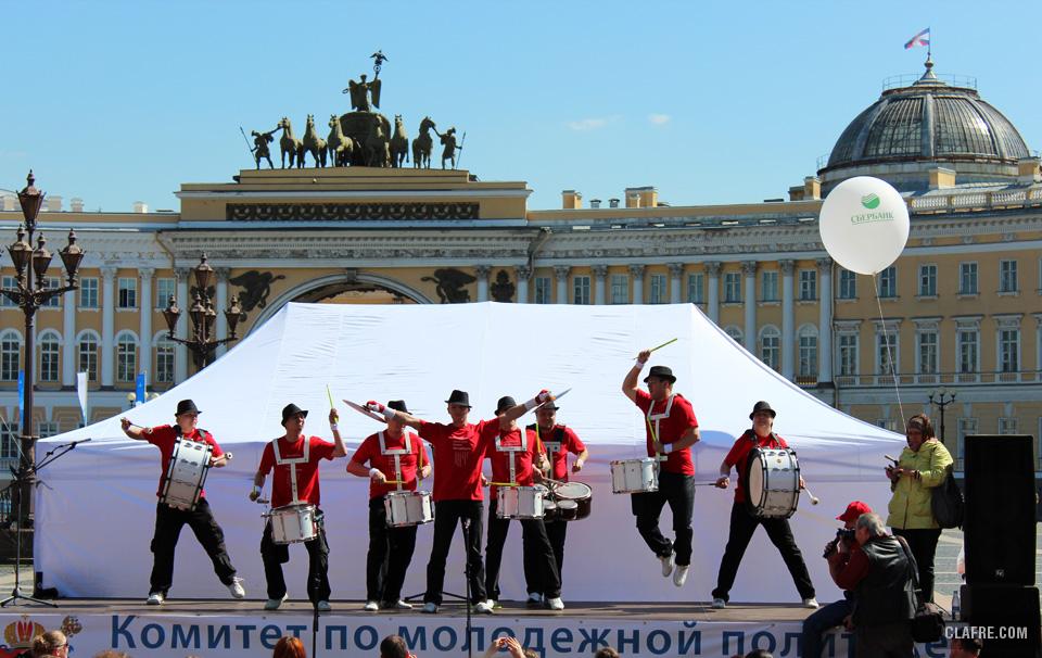 Музыкальный коллектив задаёт боевой настрой