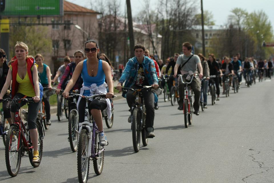Велосипедистов было около 120