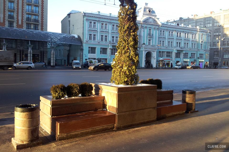Скамейка на Тверской