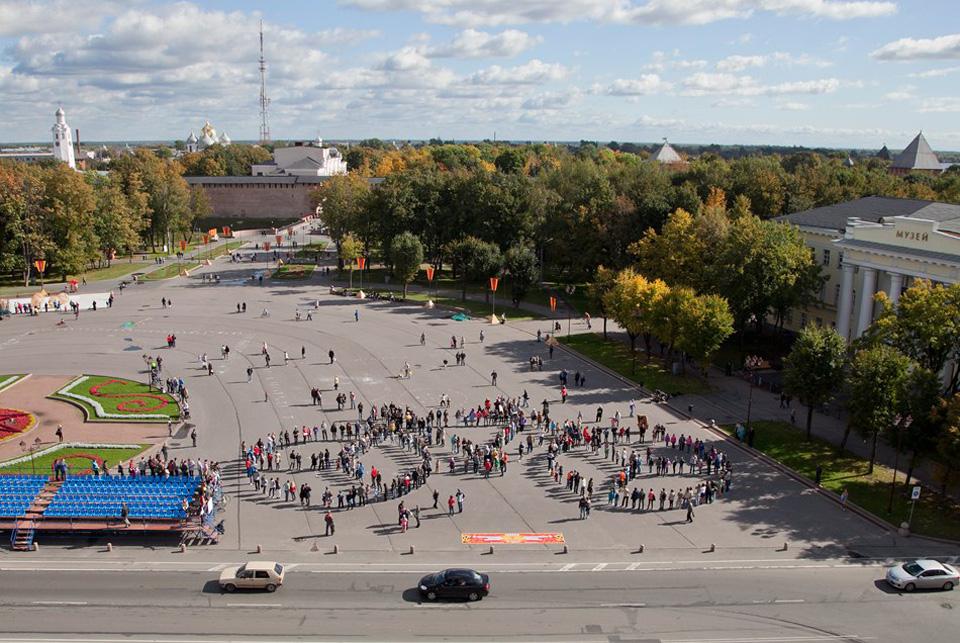 Перфоманс «Велосипед» на Софийской площади. Фото: Анна Соколова